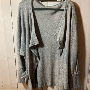 Women's sweater/cardigan
